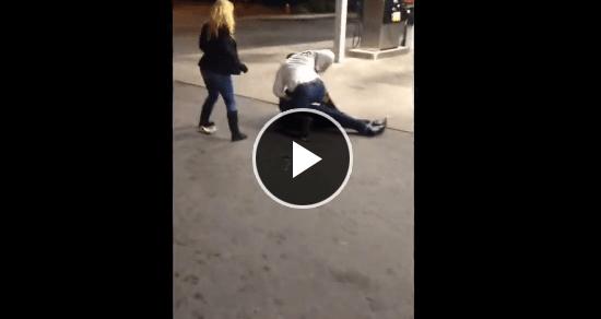 彼女を殴られ、男性はブチ切れた!!!!女を守るためならメチャクチャ強い!