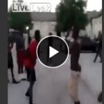 【パニック喧嘩映像】黒人同士のタイマン勝負!素手での喧嘩でしたが.........突然拳銃で発砲!!