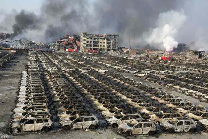 【想像以上】中国天津市で起きた爆発事故!1㎞先のタワー窓ガラス粉砕の衝撃映像!!2