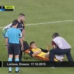 世界中で大反響の雑すぎるサッカー負傷者の扱い方。。。かなり面白いwww