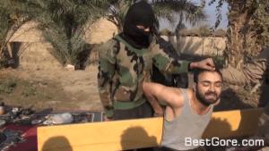 【閲覧注意】ISISにて斬首処刑されるも生首で口をパクパク…何かを訴えようとしている映像が話題に!