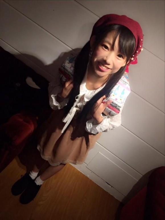 まじか?この後ろ姿からはFカップとは想像できません!!長澤 茉里奈19歳の天使。3