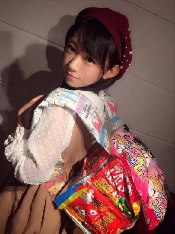 まじか?この後ろ姿からはFカップとは想像できません!!長澤 茉里奈19歳の天使。2