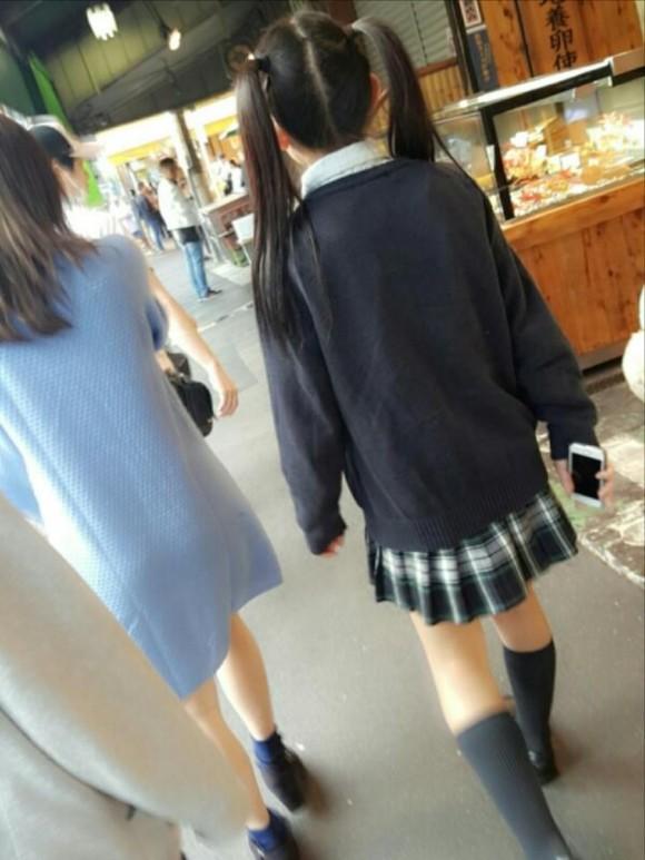 まじか?この後ろ姿からはFカップとは想像できません!!長澤 茉里奈19歳の天使。